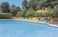 gite Saint Rémy de Provence Five-Bedroom Holiday Home in Les Angles