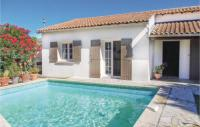 gite Mas Blanc des Alpilles Two-Bedroom Holiday Home in Les Angles