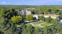 gite Aix en Provence Les Camus Chateau Sleeps 22 Pool WiFi