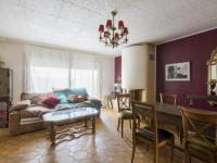 gite Montfort l'Amaury Beautiful Holiday Home in Les Clayes-sous-Bois with Terrace