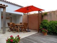 gite Le Bernard House Joli pavillon a 150 m mer - rue f.faure