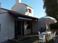 gite Le Fenouiller House Pavillon t3 avec jardin- rue du vallon