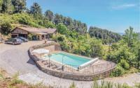 gite Chamborigaud Three-Bedroom Holiday Home in Les Vans