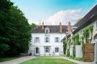 gite Ruffey lès Beaune Levernois Chateau Sleeps 20 Pool Air Con WiFi