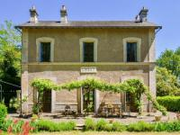 gite Coulonges Rustic Mansion in Liglet France with Swimming Pool