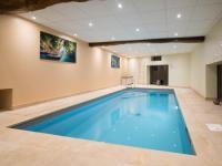 gite Dompierre les Ormes Gite du Château avec piscine intérieure privative