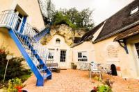 gite Charentilly House full of semi-troglodyte charm