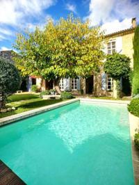 gite Arles Les volets bleus-Maillane
