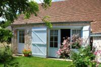Gîte Orléans Gîte House with 2 bedrooms in Mardie with furnished garden and WiFi