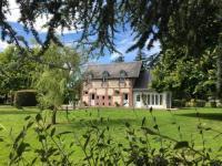 gite Bazoques Maison indépendante dans parc du Château