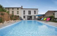 gite Vinça Stunning home in Marquixanes w Outdoor swimming pool and 3 Bedrooms