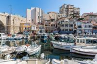 gite Marseille 6e Arrondissement Petite maison située au Vallon des Auffes, à quelques mètres de la mer.