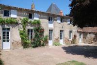 gite Vihiers Château de Touvois