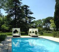 gite Arles Typique Mas Provençal Climatisé avec un Grand Parc Arboré situé au coeur de Maussane les Alpilles, 14 prs, L'Oustalado LS1-301