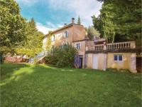 gite Mazan Five-Bedroom Holiday Home in Menerbes
