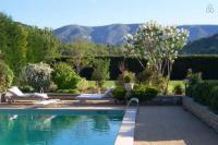 gite Saint Estève Janson Maison avec piscine et golf au coeur du Luberon