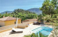 gite Saint Cyr sur Mer Three-Bedroom Holiday Home in Meounes Les Montrieux