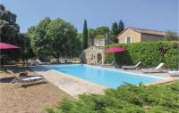 gite Cairanne Six-Bedroom Holiday Home in Mondragon