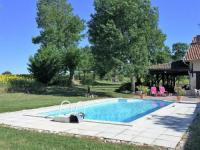 gite Touget Charming Holiday Home in Monfort with Private Swimming Pool