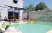 gite Charols Nice home in Montelimar w WiFi, 3 Bedrooms and Outdoor swimming pool