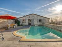 gite Réalville Traditional Holiday Home in Montpezat-de-Quercy with Pool