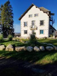 gite Junhac House with 7 bedrooms in Montsalvy with enclosed garden and WiFi 55 km from the slopes