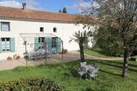 gite Meux Gite Lumiere - hameau calme 8km de Jonzac