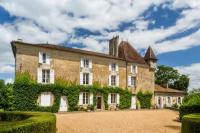 gite Saint Jean de Côle Nouzet Chateau Sleeps 12 Pool WiFi