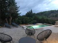 gite Ceyreste Villa neuve avec piscine, au coeur du vignoble varois.