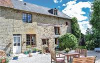 gite Larchamp Four-Bedroom Holiday Home in Passais-La-Conception