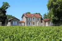 gite Saint Ciers de Canesse Pauillac Chateau Sleeps 10 with Pool and WiFi