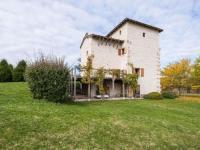 gite Saux Cozy Cottage in Penne-d'Agenais with Private Pool