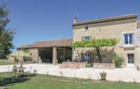 gite Cabannes Three-Bedroom Holiday Home in Pernes les Fontaines