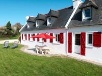 gite Guiler sur Goyen Holiday Home Les Volets Rouges (PEU101)