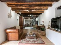 gite La Douze Cozy Cottage in Peyzac-le-Moustier with Garden
