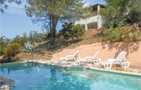 gite Lamalou les Bains Awesome home in Pierrerue w WiFi, Outdoor swimming pool and 3 Bedrooms