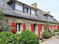 gite Plougrescant House Maison bretonne avec wifi et grand jardin à landrellec