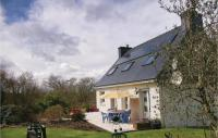 gite Port Louis Four-Bedroom Holiday Home in Plouay