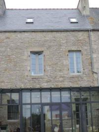 Location de vacances Saint Denis Belle maison de ville à Pont l'Abbé, avec jardin clos
