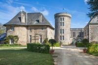 gite Les Epesses Pouzauges Chateau Sleeps 12 Pool WiFi