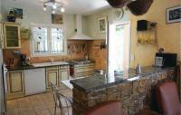 gite Béziers Amazing home in Prades sur Vernazobre w WiFi, Outdoor swimming pool and 4 Bedrooms