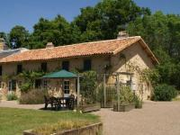 gite Laprade Luxurious Holiday Home in Pressac with Swimming Pool