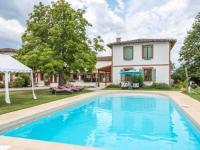 gite Montjoire Modern Mansion with Swimming Pool in Rabastens