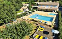 gite Arles Nice home in Raphele-Les-Arles w Outdoor swimming pool and 2 Bedrooms