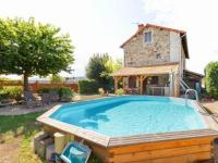 gite Saint Romain d'Urfé Alluring Holiday Home in Renaison with Jacuzzi