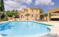 Four-Bedroom Holiday Home in Rochefort du Gard-Four-Bedroom-Holiday-Home-in-Rochefort-du-Gard