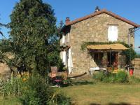 gite Mardore Maison calme, terrasse et jardin proche lac des sapins