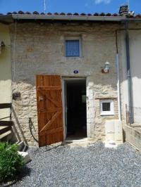 Location de vacances Courbevoie Furnished Stone Cottage