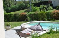 gite Challonges Maison avec piscine 8 couchages entre Annecy et Aix les bains
