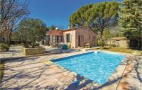 gite Roussillon Nice home in Rustrel w WiFi, 4 Bedrooms and Outdoor swimming pool